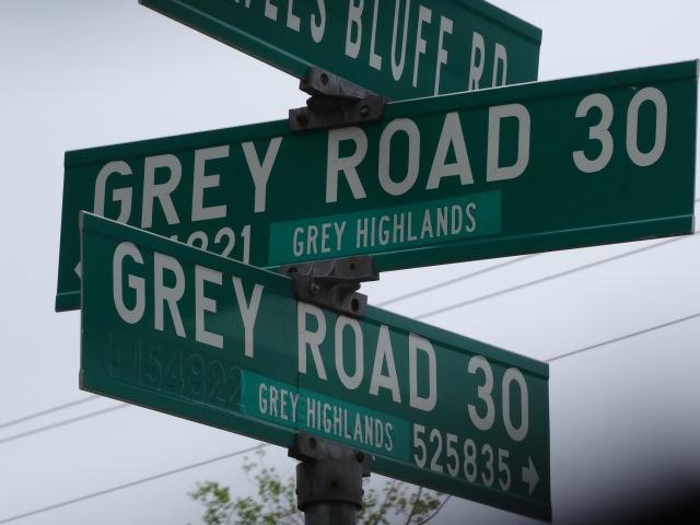 Grey Road 30 sign